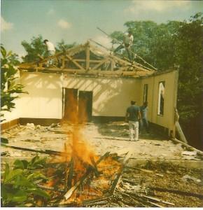 La 1ère chapelle finit dans les flammes